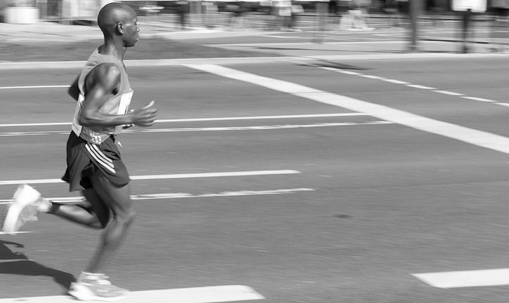 Im Kampf mit den Kilometern. Marathonläufer in Berlin