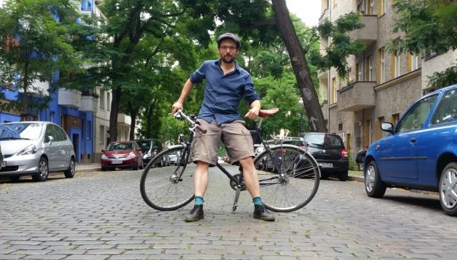 Reporter Karl Grünberg: Auch ich  wollte einer von ihnen sein. Einen Sommer lang Asphalt fressen, besten Berliner Feinstaub in die Lunge pressen und als schnittiger Essens-Fahrradkurier durch die Stadt kurven.