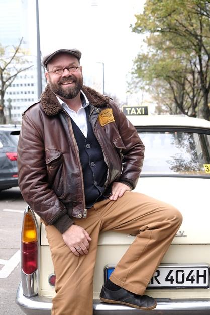 Oldi-Taxi-Berlin, Reportage und Foto Karl Grünberg www.reportagenschreiber.com
